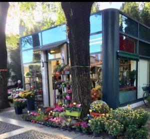 Vendisi chiosco e attività di fiori, Brescia