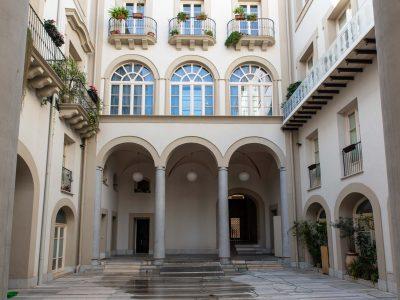 Abitazione di 155 mq pianoterra, più locale commerciale mq 117, centro storico Palermo