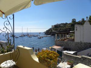 Sicilia Isole Eolie Lipari, Italia. Si vende Villetta a schiera in zona residenziale turistica