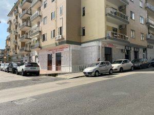 Locali Commerciali, ottima posizione Napoli